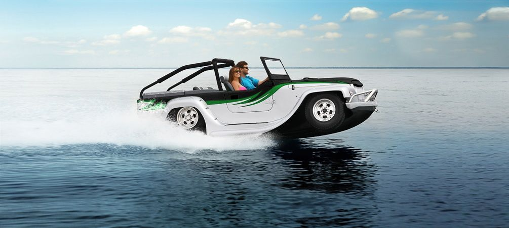 Is it a Jeep ? Is it a Speedboat ? No, it's WaterCar's Panther ...