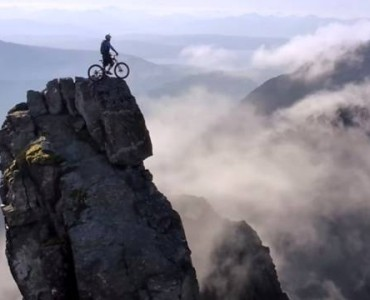 Danny MacAskill The Breakneck Ridge