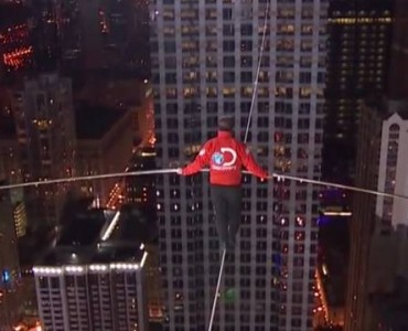 Nik Wallenda Blindedfolded Tightrope Walk